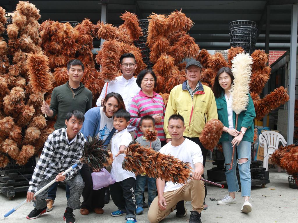 |旺仔雞|即將消失的台灣傳統工藝 - 雞毛撢子