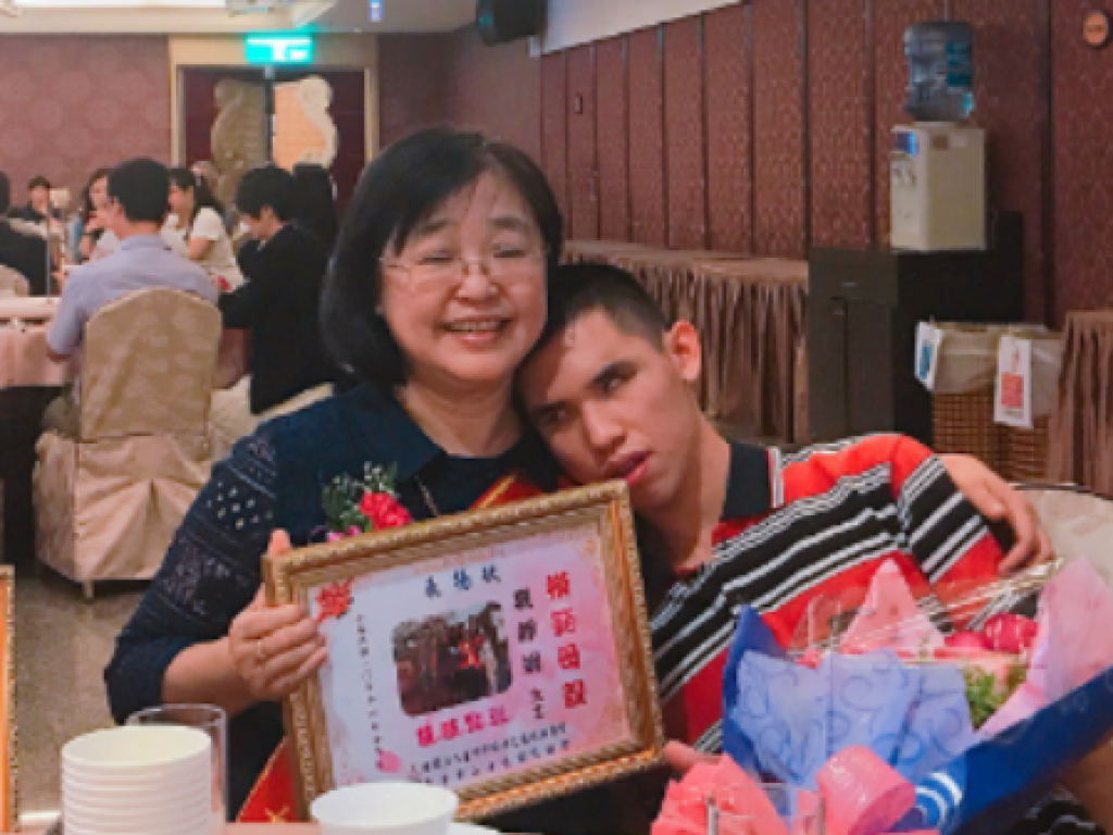 幫盲傳愛 多障無礙--籌組台灣視多障協會