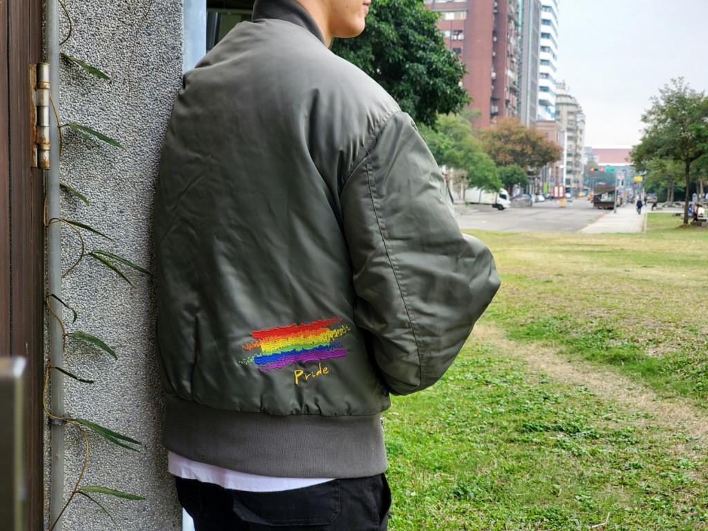 RHIZ飛行外套 x LGBTQ|用溫暖的方式擁抱彩虹