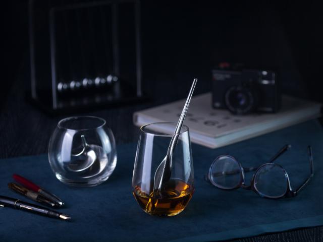 台灣第一款純錫品酒/醒酒神器:浪雲醇酒器